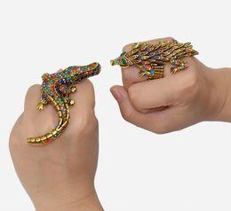 encantos lagarto Desconto 2018 Novo Design 2 Estilos de Bronze Do Vintage Exagerar Strass Do Punk Lagarto Crocodilo Cabeça Anéis Encantos Moda Mulheres Jóias