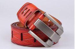 Argentina 2019 Cinturones de diseño Hombres y mujeres Cinturón de moda Cinturón de cuero para mujer Oro Plata y Hebilla negra26 Suministro