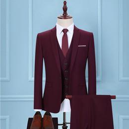 Pantalon violet bureau en Ligne-Nouveau Mens Costume Slim Fit Hommes De Mariage Manteau Pantalon Vêtements de cérémonie Luxe Pourpre Rouge Costumes Pour Hommes Business Office Worker Suit