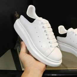 Wholesale Men Summer Dresses - Alexander MC Loveres Casual Shoes Classic Fashion Show Style Mens Womens Fashion Sneakers Running Street Footwear Dress Shoe Sports Tennis