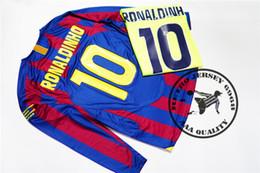 Envío gratis campeón de la liga final de 2006 ronaldinho jersey messi xavi puyol marquez v.bommel a.iniesta camiseta de fútbol viejo camisetas desde fabricantes