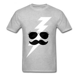 Deutschland Neue 2018 Sommer Stil Mode Klassische Hippie Bart Und Cartoon Design Männer Lustige T-shirts Natürliche Baumwolle Kleidung cheap natural hippie clothing Versorgung