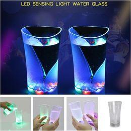 Wholesale transparent vases - 20pcs Inductive Seven colors Glowing cup LED Flashing Luminous Plastic Wine Cups KTV bar vase cup T3I0423