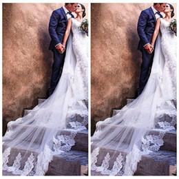borde de cristal corto velo de novia Rebajas Alta calidad dos capas apliques de encaje largo velo nupcial con peine catedral accesorios nupciales accesorio de pelo para eventos de boda