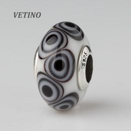 2019 schwarze dreieck perlen 2 Stücke Schwarz Weiß Dreieck Mulano Glas Perlen 925 Silber Kern Für Europäische Marke Mode Charme Schmuck A-024 rabatt schwarze dreieck perlen