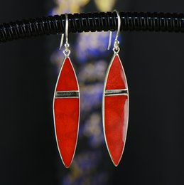 Orecchioni a corallo online-2018 promozione orecchini vendita calda gioielli moda S925, argento, antico, orecchini di corallo erba lunga, signora tailandese, gioielli conchiglia.