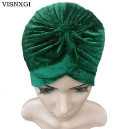 mütze für muslimische frauen Rabatt VISNXGI 2018 Neue Europa Frauen Winter Mode Schwarz Dunkelblau Grün Farbe Samt Muslim Turban Hüte Indische Caps Hohe Qualität