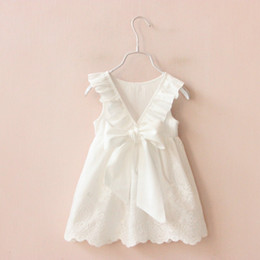 peter pan collar knee length dress Promo Codes - 2019 Ins Baby Girls Todder Dress Embroidererd White Lace Dresses Peter pan collar Back Bow V neck 100%cotton Summer Cheap wholesale 1T-6T