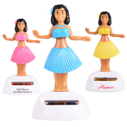 bambole decorative all'ingrosso Sconti Wholesale-LeadingStar Solar Hula Dancing Girl Doll Manufatti per l'arredamento decorativi Car Decoration Nuovo A New Toy Pink Yellow Blue Green