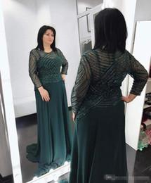 Collares para un vestido verde