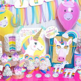 2019 conjuntos de decoración de la ducha del bebé 1set Rainbow Unicorn theme Party Set YAY Banner Garland Unicorn Máscara Cake Topper Photo Props Baby Shower cumpleaños decoración conjuntos de decoración de la ducha del bebé baratos