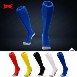 Wholesale Wholesale Kids Soccer Socks - 5 Colors 2pcs pair 2018 World Cup Soccer Socks Adult Big Kids Non-slip Outdoor Football Stockings Kids Club Sports Socks CCA8846 50pair