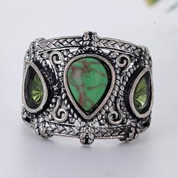 2019 anel de homem de pedra verde Grandes Anéis De Pedra Verde para As Mulheres Do Partido Do Vintage Anel Boho Homens Jóias Anel De Prata Antigo Bague Femme Masculino Anillos O3C164 desconto anel de homem de pedra verde