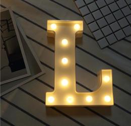 2019 großhandel led licht blume vase 26 Buchstaben und 0-9 weiße LED-Nachtlicht-Festzelt-Zeichen-Alphabet-Lampe für Geburtstags-Hochzeitsfest-Schlafzimmer-Wand-hängendes warmes Weiß