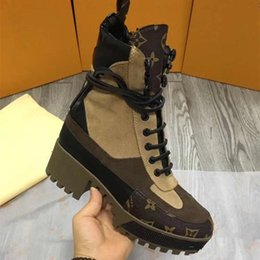 Wholesale fashionable rubber boots - 018 hot new female luxury brand fashionable high-end leather thick sole shoes fashion boots comfortable breathable size 35~41