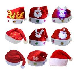 Sombrero de la Navidad de los niños no tejidos con la luz llevada de la  historieta Applique los ciervos de la nieve de Santa Deer sombreros  Suministros de ... 42194f40371