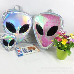 transparente mode rucksack Rabatt Laser Transparent Rucksack Jungen 3D Alien ET Kopf Gesicht Entwickelt Unisex Rucksack Mode Dreieck Freizeit Tasche Für Mädchen