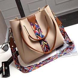 Wholesale wild fashion bags - HOT 2018 Newly lady's Fashon style Autumn and winter Women's new bucket bag Korean wild handbag large capacity Shoulder Messenger bag 58528