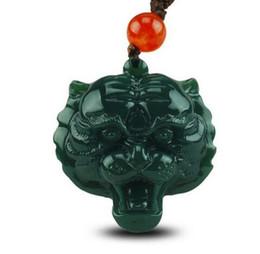 Colar do zodíaco do jade on-line-Natural hetian jade XinJiang QINGYU pingente de cabeça de Tigre dos homens QingYu Zodíaco tigre colar de pingente