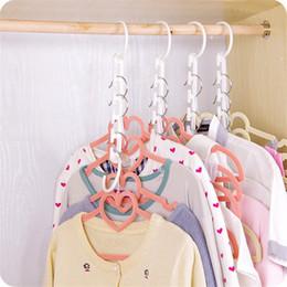 Guardarropa de ropa de plástico online-Space Saver Wonder Magic Clothes Hangers Racks Ropa Hooks Organizer Plastic Wardrobe perchas para camisas bufandas