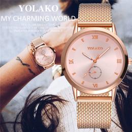 Пластиковая розовая полоса онлайн-Women's Casual Quartz Plastic Leather Band Watch Analog Wrist Watch Rose Gold Girls Gold ladies Hot Sale Flowers Dress New A40