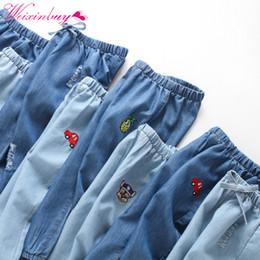 2019 broderie bébé jeans Pantalons bébé Garçons Filles Jeans Mode Casual Broderie de Bande Dessinée Élastique Taille Taille Élastique Bébé Fille Jeans Enfants Vêtements Enfant promotion broderie bébé jeans
