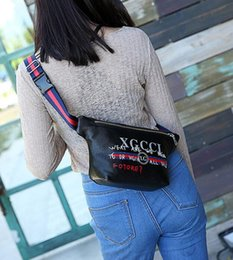 Wholesale Leather Crossbody Bags - Hot 2018 brand designers Crossbody Bag Signature Letter Cross Body Bags Men Women Fashion Waist Bag