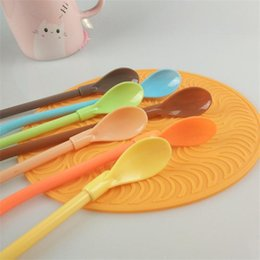 Spoon straws plastic online-Cannucce di plastica Multi Function Straw di plastica Baby Shake Spoon Solid Color Mixing Drink Bar Tool 0 35ss ff