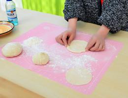 stuoia di fondente fondente Sconti Stuoia di cottura in silicone da 50x40 cm per la pasta da forno Stuoia di pasta di rotolamento Fondente Stuoia di cottura antiaderente Utensili da cucina Bakeware B