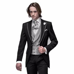 2018 Nouvelle Arrivée Italien Hommes Tailcoat Noir Peaked revers De Mariage Costumes Pour Hommes Garçons D'honneur Costume 3 Pièces Marié Smokings Pour Hommes Costume Époux ? partir de fabricateur