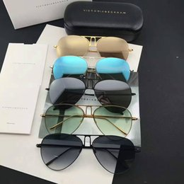 2017 новый VB солнцезащитные очки Виктория Бекхэм гафас-де-соль солнцезащитные очки пути эллипс коробка солнцезащитные очки мужчины и женщины солнцезащитные очки цветной фильм oculos Марка supplier vb sunglasses от Поставщики солнцезащитные очки vb
