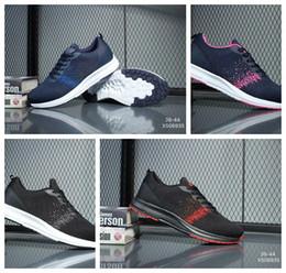 Venda quente Sapatos de corrida de Malha Fina Respirável Presto Blackout  Barato Sneaker Vermelho Azul Marinho Triplo Branco Preto Outono Azeite de  ar ... 205a6a7ae10dc