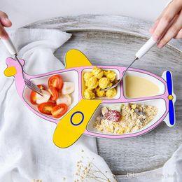 2019 verniciare piatti in ceramica Baby Dinner Plate Ceramica Articoli per la tavola Forma di aeromobili Piatti Piatto per bambini che si alimentano con la pittura del fumetto dell'aereo verniciare piatti in ceramica economici