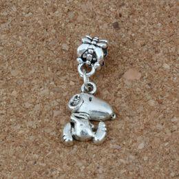 Deutschland MIC 100pcs / lot Antiqued Silber Snoopy baumelt Korne Europäisches Charme-Armband-Schmucksachen DIY Metall cheap metal snoopy Versorgung
