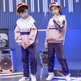 Girls Boys Fashion Loose Ballroom Jazz Hip Hop Traje de baile conjunto con capucha  sudadera Tops pantalones para niños bailando ropa ropa b9c0dd44c1d