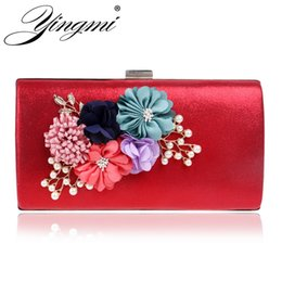Wholesale Hot Dinner Dresses - YINGMI women bag hot hand evening bags new the chain the Appliques pattern flowers wedding dinner bags day clutches bags