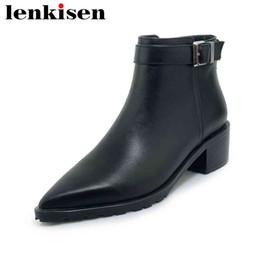 215c9dde63 Lenkisen olhar fino couro natural dedo apontado com zíper sólidos grossos  med saltos estilo britânico fivela de metal mulher tornozelo sapatos L88  olhares ...