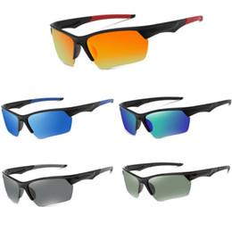 Erkek ve kadın Evrensel polarize açık spor gözlükleri güneş gözlüğü UV400 Görünür ışık geçirgenliği% 80 Renk seçimi 5 çeşit. nereden kaliteli bisikletler tedarikçiler