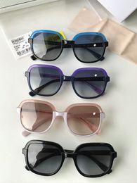 Blaue kristallgläser online-Women Glint / S Sonnenbrille Blue Glitter Crystal / Grau Gradient Fashion Sonnenbrille Brillen Driving Glasses Fashion Neu im Kasten