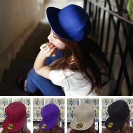 40be4046c7990 Gorra de béisbol de hip hop de color sólido para hombres y mujeres sombrero  de hip hop versión coreana de la gorra plana plana T6C019
