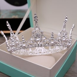 Wholesale Brilliant Party - Brilliant European Wedding Crown Crystal Beaded Pearls Classic Silver Bridal Headpieces Headbands Women Hair Jewelry Tiaras Party Birthday