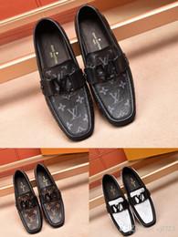 Haute Qualité De Luxe De Mode Bleu Argent Hommes Chaussures Mocassin Homme Véritable Cuir Casual Chaussures Hommes Formelles Chaussures Taille 38-45 ? partir de fabricateur