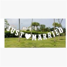 Wholesale decorative flag wholesaler - Just Married Banner Letter Flags Originality Tag Birthday Party Supplies Streamer Event Wedding Decoration Flexible Reusable 6 5my jj