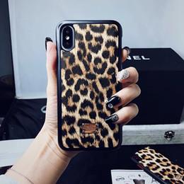 Canada Mode Léopard Peau Motif Couverture Arrière Métal Plaqué Imprimé Lettre Téléphone Souple Shell pour iPhone XS Max XR 6s 7 8 Plus Offre