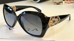Wholesale Frame Sets - The latest fashion designer sunglasses 8182 diamond-cut mirror frame legs set luxury crystal diamond top quality uv protection women eyewear