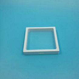 recipientes redondos de doces de plástico Desconto 11x11x2 cm Caixa De Jóias Acessórios Janela Frame 3D Display Box Pulseira Colar Stand Titular Frete Grátis ZA5609