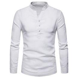 2019 gefaltetes v-shirt der männer Stehkragen Shirt Männer 2018 Mode Hipster V-Ausschnitt Herren Kleid Shirt Casual Slim Fit Leinen Schnalle Chemise Homme Camisa Masculina rabatt gefaltetes v-shirt der männer