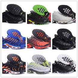 Wholesale open toe lace up shoes - 2018 New Vapormax TN Plus Triple Black White Grape Men Running Shoes For Air Tn Hiking Jogging Walking Outdoor Casual Basket Requin sneakers