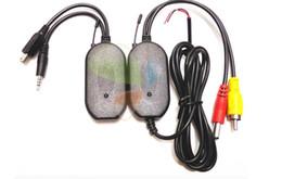 Drahtloser videoübermittler für kameras online-2,4 GHz Wireless-Rückfahrkamera RCA Video Sender-Empfänger-Kit für Auto-Rückspiegel-Monitor-FM-Empfänger
