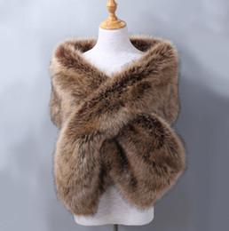 2018 Un tamaño nupcial Wraps baratos de piel sintética de invierno abrigos de boda en stock de alta calidad chaqueta Shrug Shawl accesorios de boda desde fabricantes